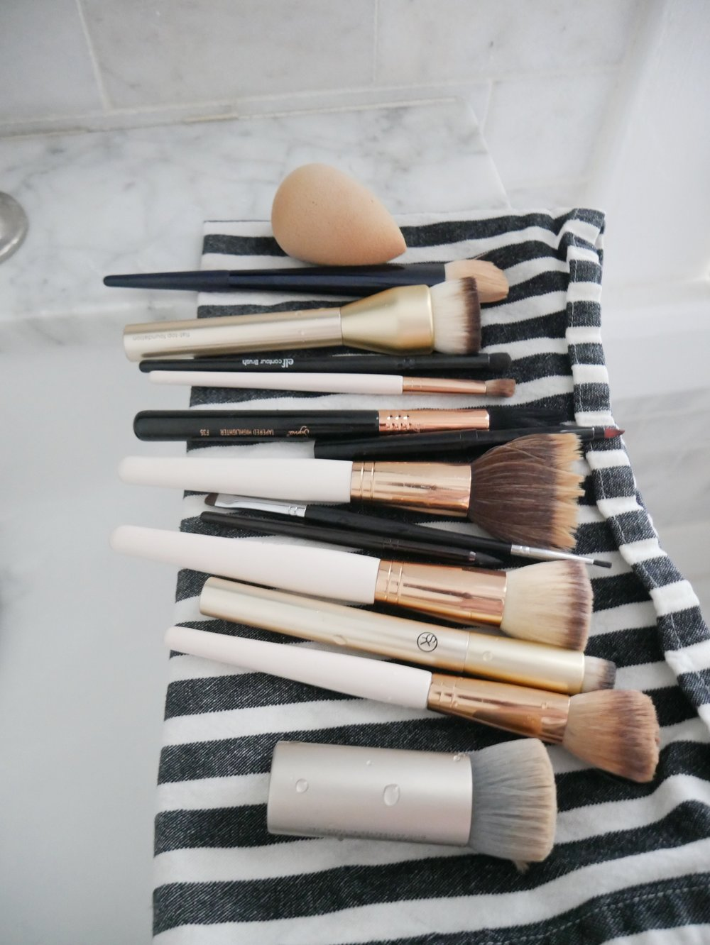 dry your makeup brushes