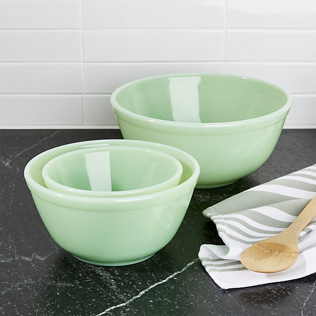 JADEITE KITCHENWARE - I know everyone has been obsessed with jade face rollers for a while now, but I'm over here wanting all the jadeite for my kitchen. We registered for some jadeite tumblers to add a pop of color to our dining set. When we received them, I just wanted more. My husband's aunt recently discovered my obsession and generously gifted us with a set of jadeite plates she picked up at a market in Florida.