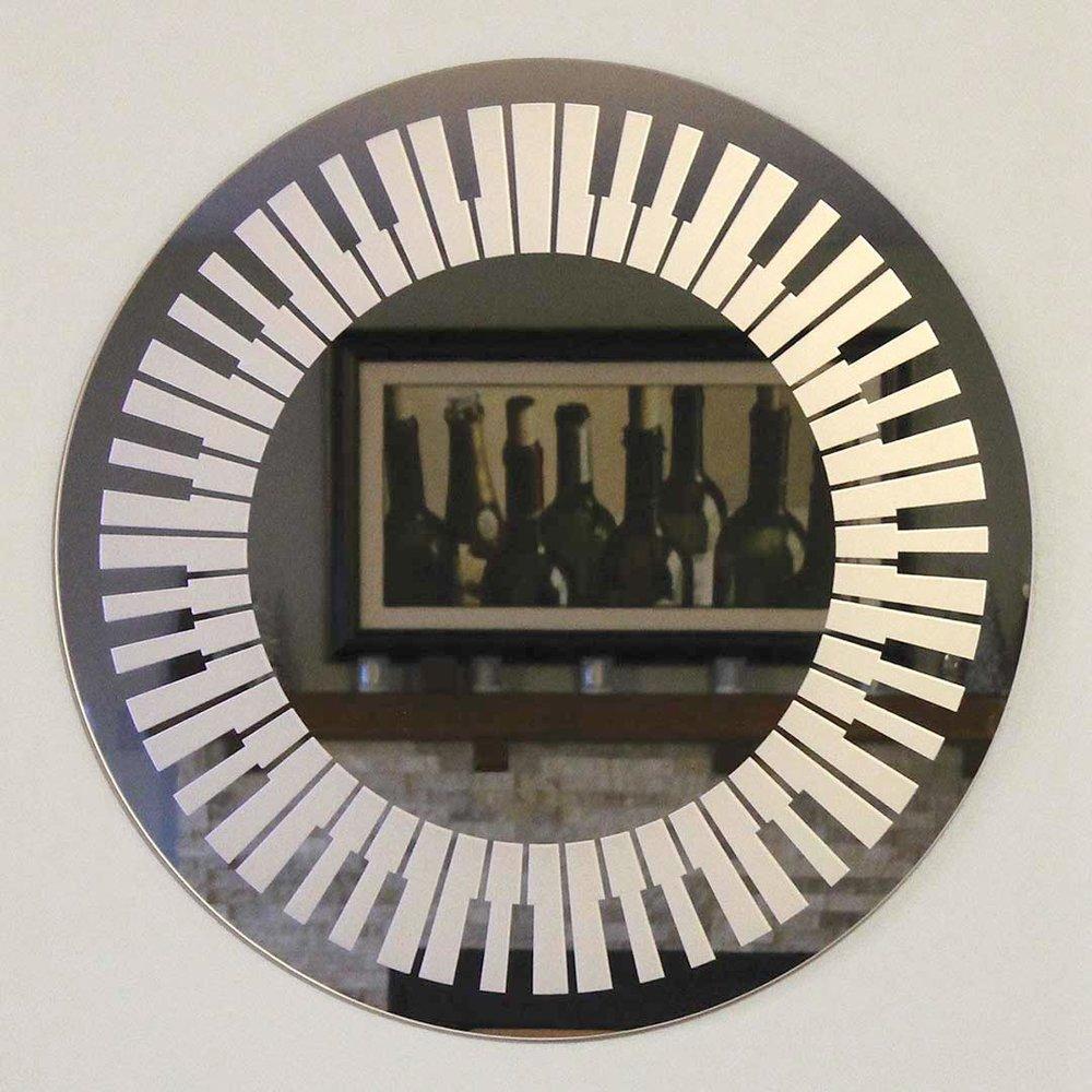 pianomirrorl.jpg