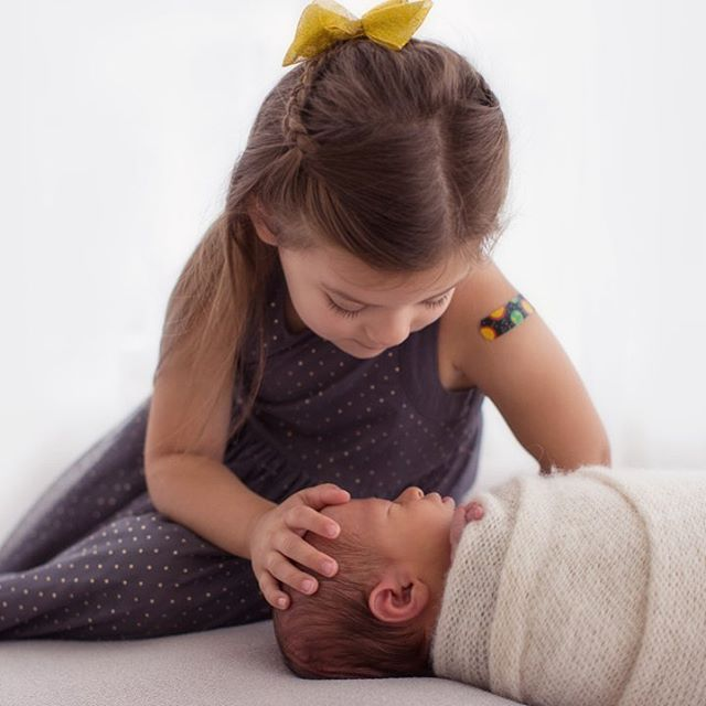 This is love in its purest form. #siblings #siblinglove #newbornphotography #newborn #buffalonewbornphotography #buffalonewborn #cmpro