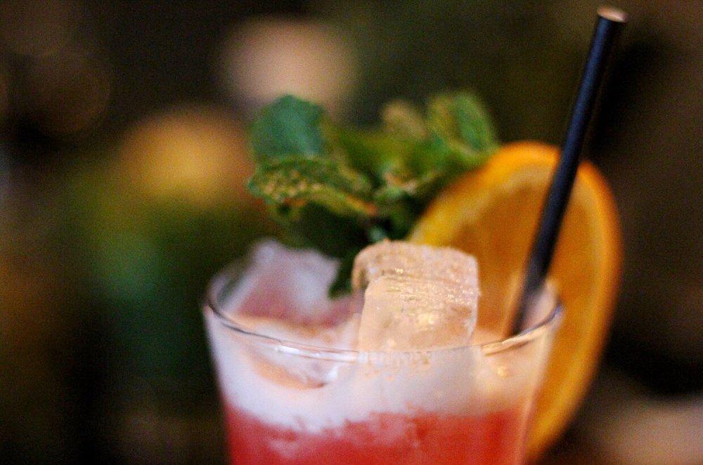 Blue Hound Kitchen & Cocktails 4