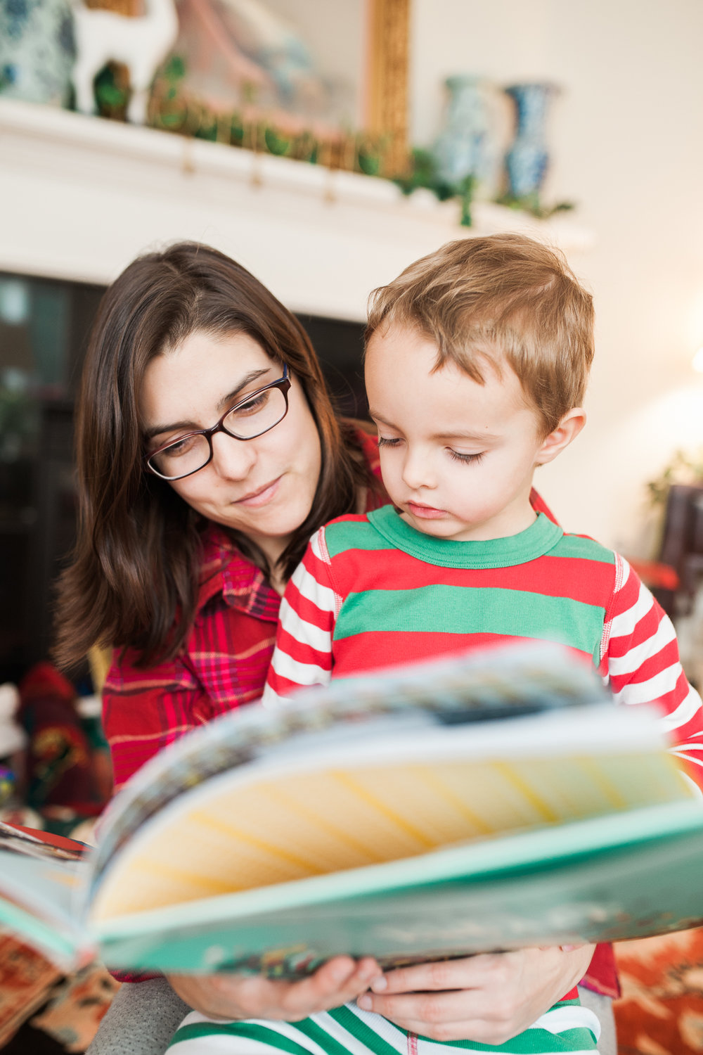 Lindsey Victoria Photography holiday traditions reading Christmas Eve morning family lifestyle photographer Litchfield County, CT Brooklyn New York City