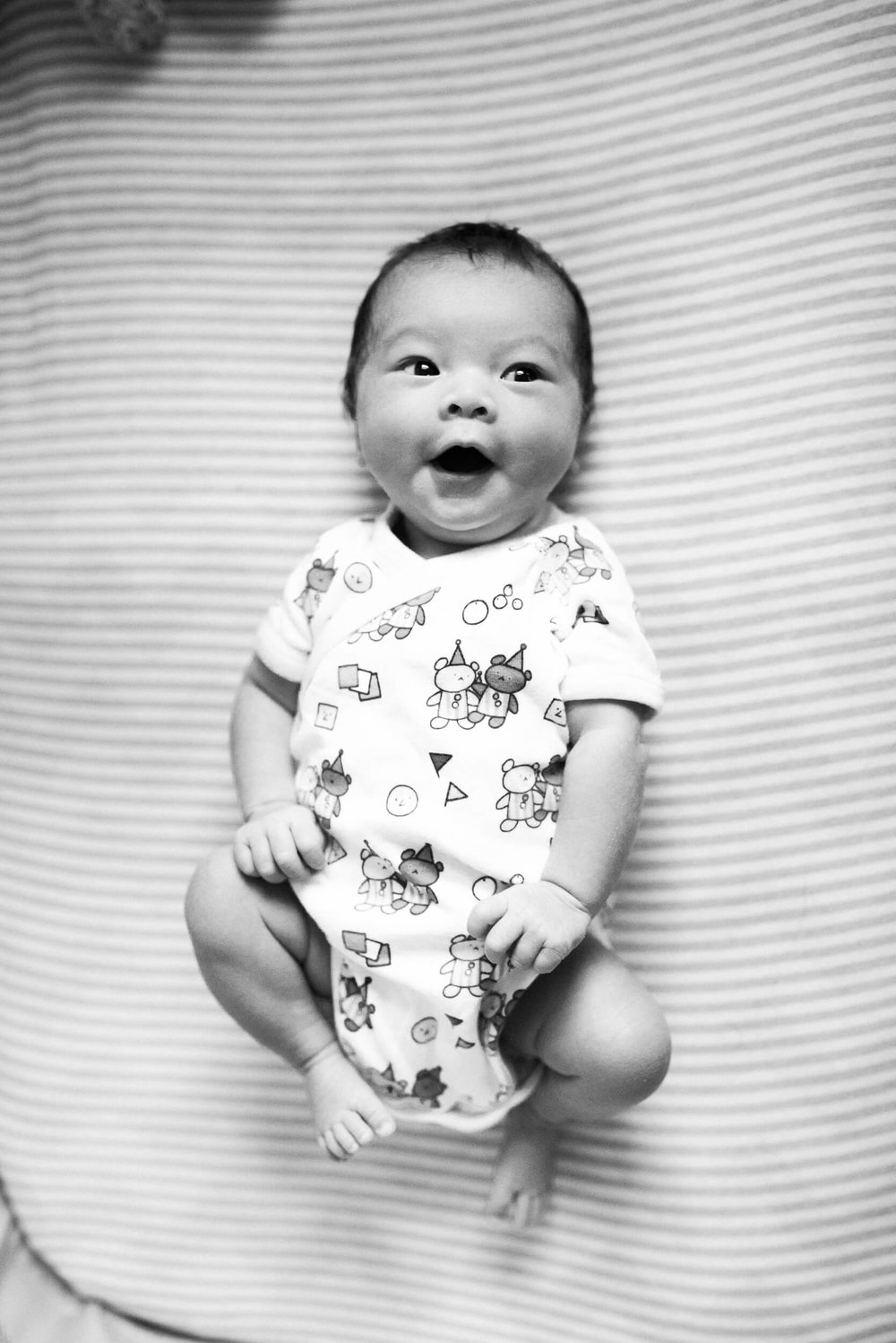 black and white photo of baby in home lifestyle newborn photographer lindsey victoria photography park slope brooklyn ny