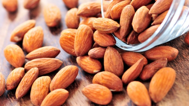 almonds-raw.jpg