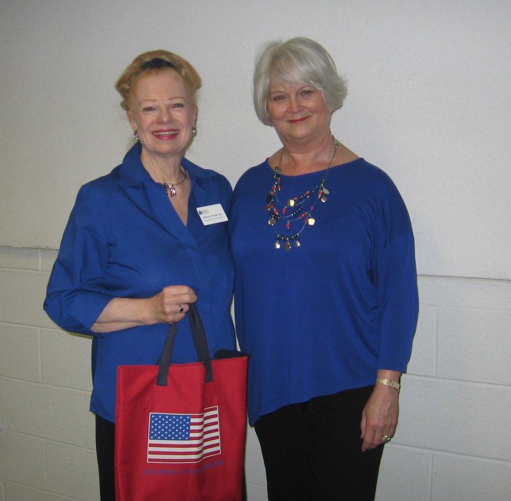 Greeting new U.S. citizens, Alexandria Courthouse
