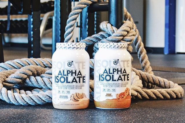 Lift Heavy, Be Happy. STACK IT UP WITH OUR ALPHA ISOLATE PROTEIN IN HONEY GRANOLA & CHOCOLATE FUDGE RIPPLE. Amazing flavors with 27g of protein for each serving. 💪🏼 #bemodernman #modernmanmind #respectmodernman