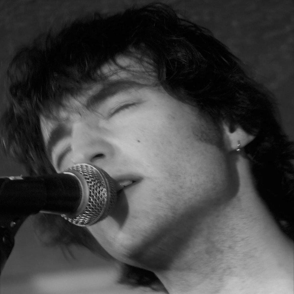 Tom Emlyn - Folk / Singer Songwriter