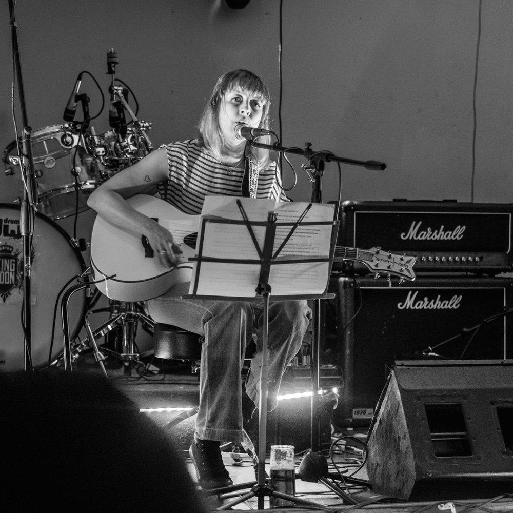flipsy mccaw - singer songwriter