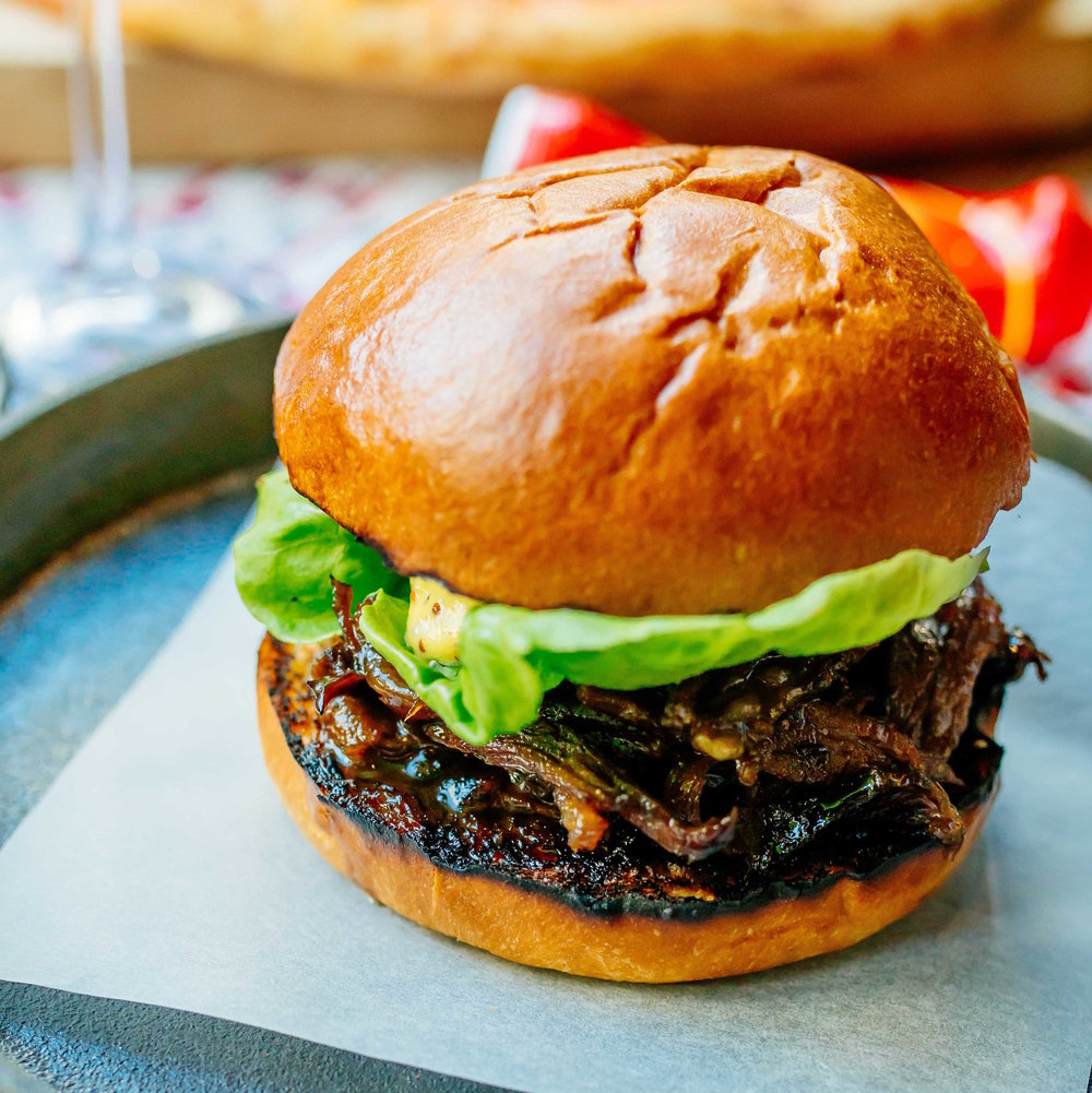 Smoked Short Rib Burger - PRE ORDER ONLYBrioche bun, sliced or pulled short rib, whole grain mayo and gem lettuce - £12