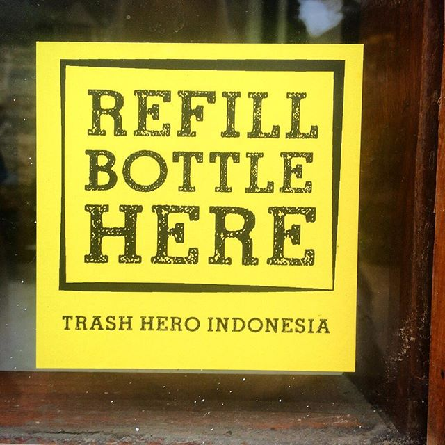 Life can be so easy! Refill possibilities all over Labuanbajo! Great discovery: Almost every restaurant, café and dive shop offers a water refill to reduce the consumption of bottled water! Great to see your impact, trash heroes Indonesia! Keep it up. @trashherosanur #trashheroes #refill #bottledwater #plasticpackaging #singleuseplastic #plastic #plastik #sampah #reduce #impact #consiousliving #beatpoluttion #breakfreefromplastic #beatplasticpollution #cleanseas #rethinkplastic #waterforall #environmentaljustice #everybottlecounts #mappingplastics #labuanbajo #flores #restaurant #cafe #zerowaste #ecotourism #mappingplastics #unverpackt #refillrevolution #makelifeeasier