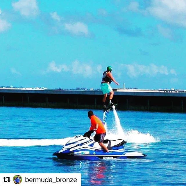 #Repost @bermuda_bronze with @get_repost ・・・ Got up first time! 😯 Thanks to expert pilot/athlete @rush_pro 🌊🏄 This was a rare opportunity and now I have my sights set on adding it to the hobby list, so much fun. Props to @savvyentertainment for putting this on for Bermuda 🇧🇲🇧🇲🇧🇲 - - - - - #hydroflight #flyboard #jetski #fly #sun #fun #bermuda #wearebermuda #wearebda