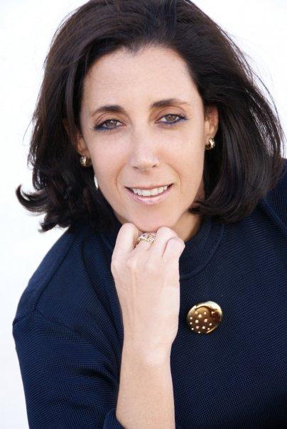 Gladys Mezrahi Headshot.jpg