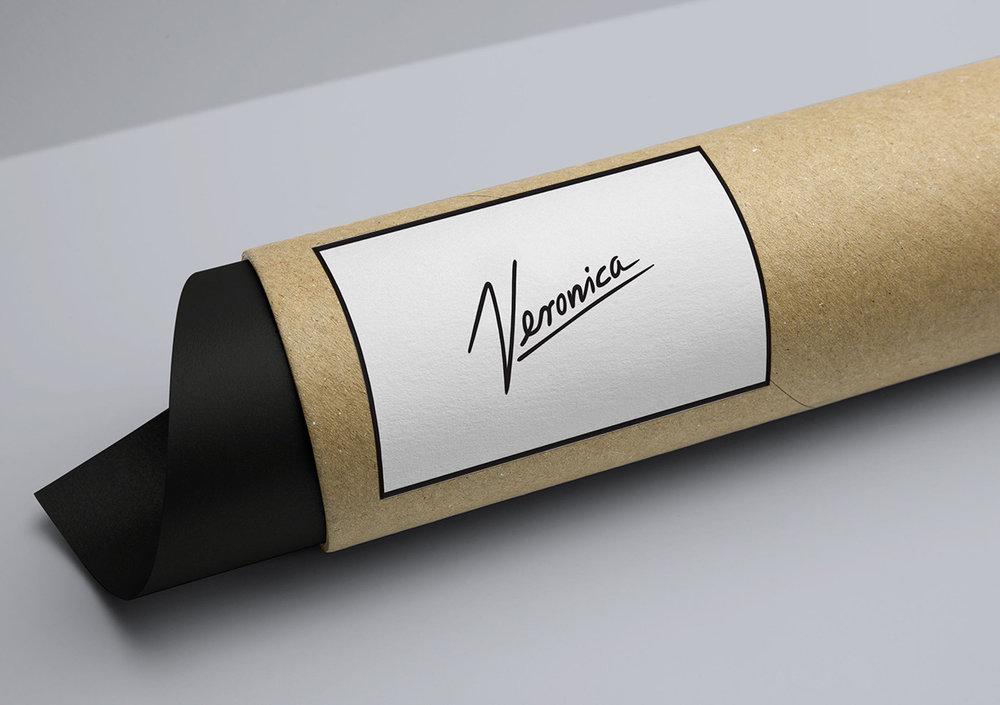 Veronica-TUBE.jpg