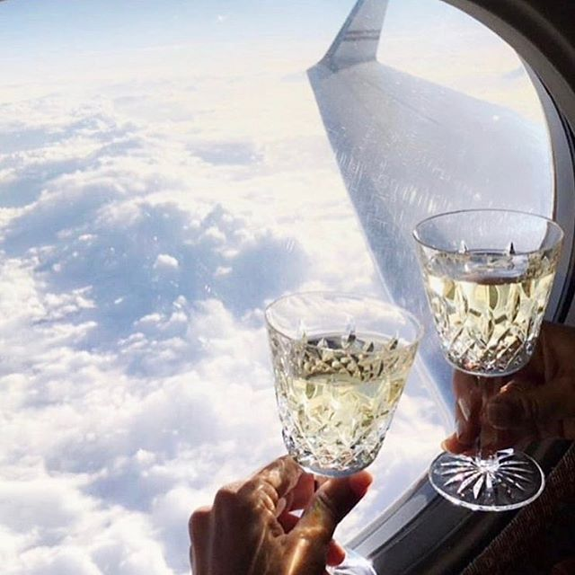 Cheers to the weekend 🥂