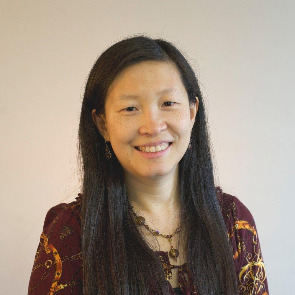 Ruth Wong   Ruth는 보스턴에 위치한 Emmanuel Gospel Center의 Boston Education Collaborative (BEC) 프로그램의 이사이다. BEC는 다음과 같은 영역에 초점을 맞추고 있다. 1) 도시 교육 및 청소년 개발 사업에 일하고 있는 교회와 리더들이 서로 공동체를 만들 수 있도록 네트워크를 형성하는 일 2) 보스턴과 다른 도시 학군에 있는 교회와 학교간의 파트너십을 지원하는 일 3) 신앙을 기반으로 한 프로그램에 기술 지원을 제공하는 일 4) 도시에 사는 학생들의 학교 경험에 영향을 미치는 다양한 그룹과 운동을 통해 참여하는 일을 하고 있다. Ruth는 대만과 시카고에서 살았으며 Wellesley 대학교에서 물리학 학사 학위를 받고 하버드교육대학원(Harvard Graduate School of Education)에서 석사과정을 마쳤다.