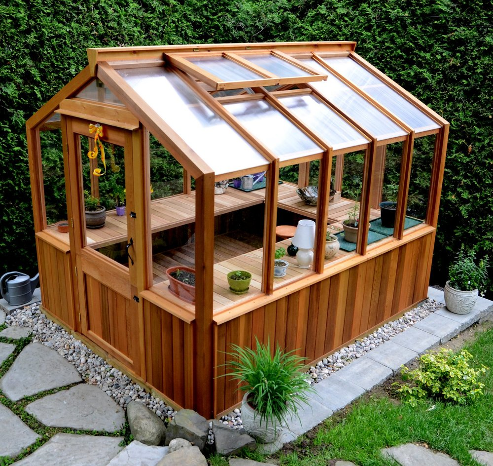 DELUXE FREESTANDING - Freestanding greenhouse with 30