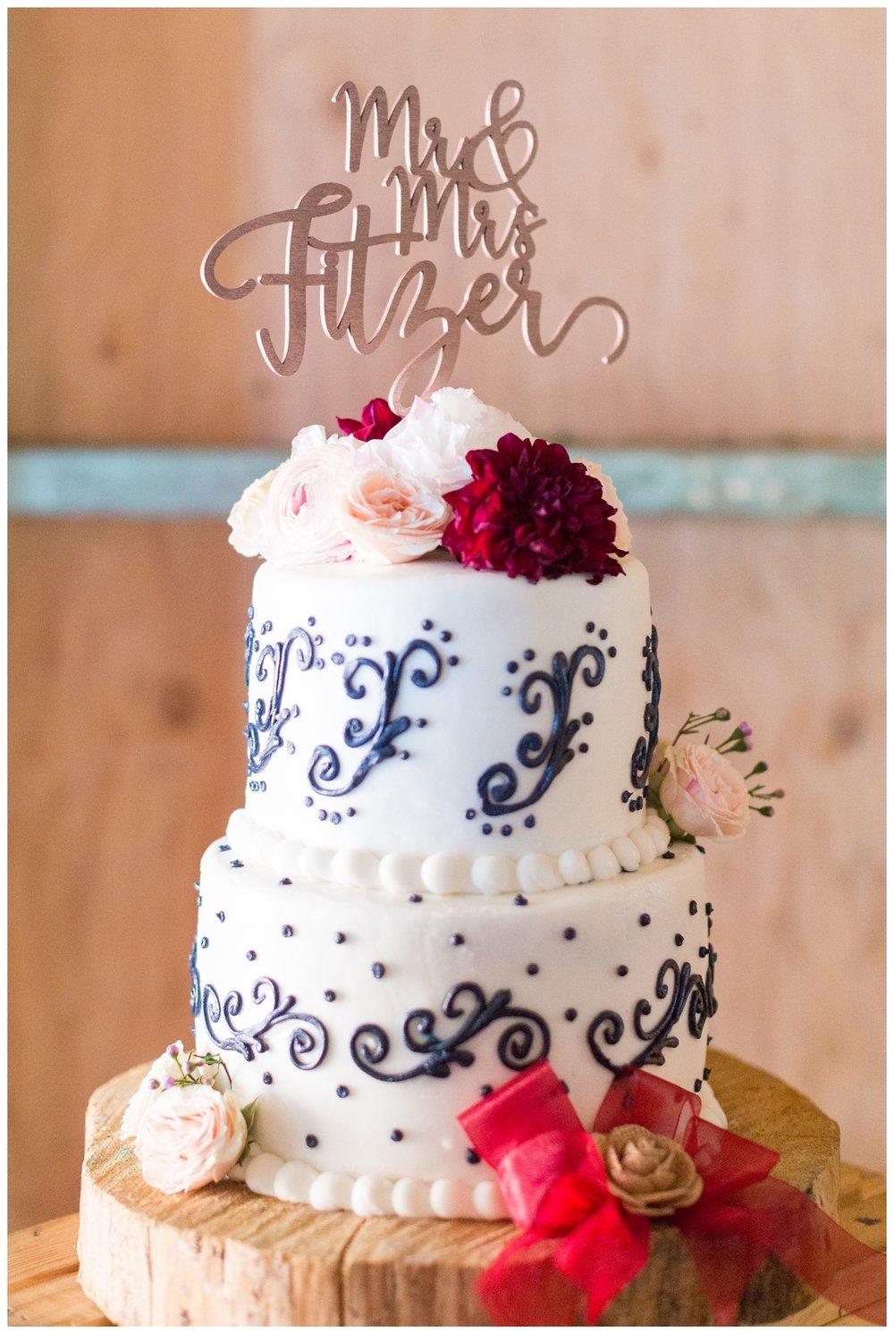 amazing three tier wedding cake