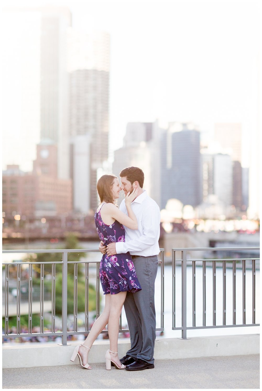 Destination-Kinzie-St.Bridge-Chicago-Engagement-Photos_5648.jpg