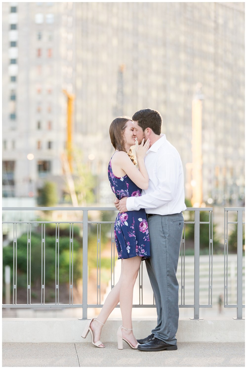 Destination-Kinzie-St.Bridge-Chicago-Engagement-Photos_5656.jpg