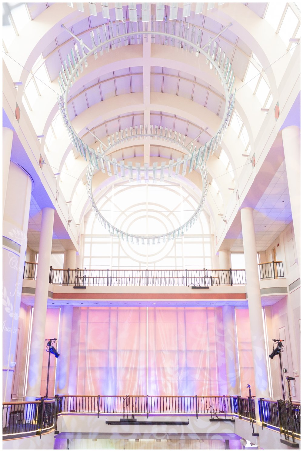 Library-Galleria-Sacramento-Wedding-Photos_5611.jpg