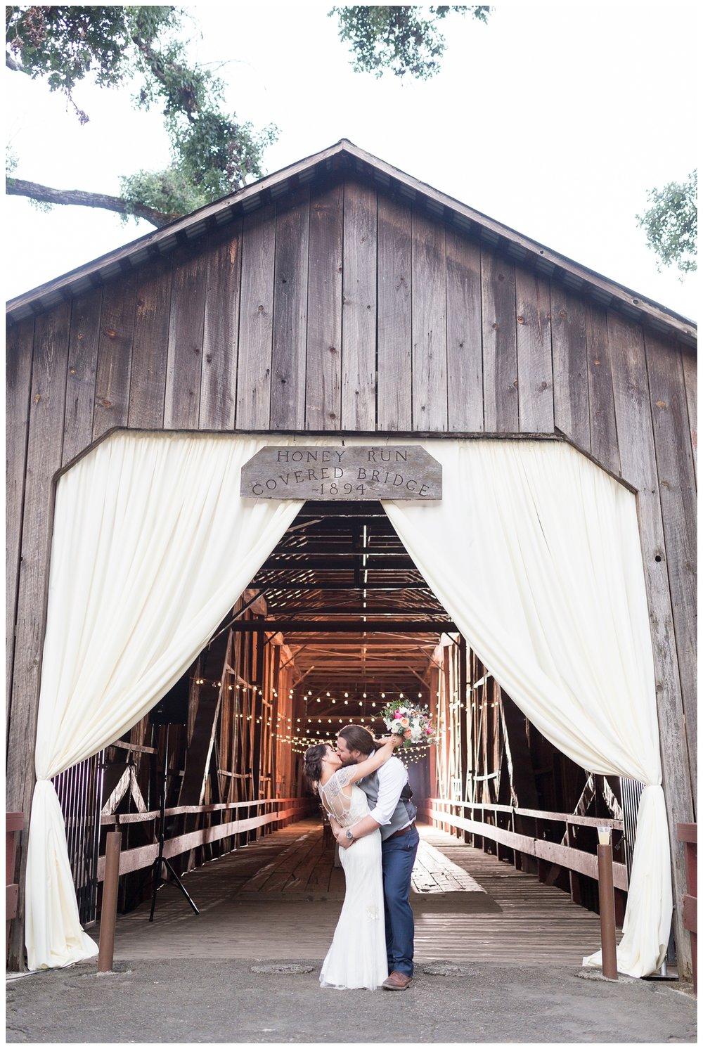 Honey-Run-Covered-Bridge-Wedding-Photos_0769.jpg