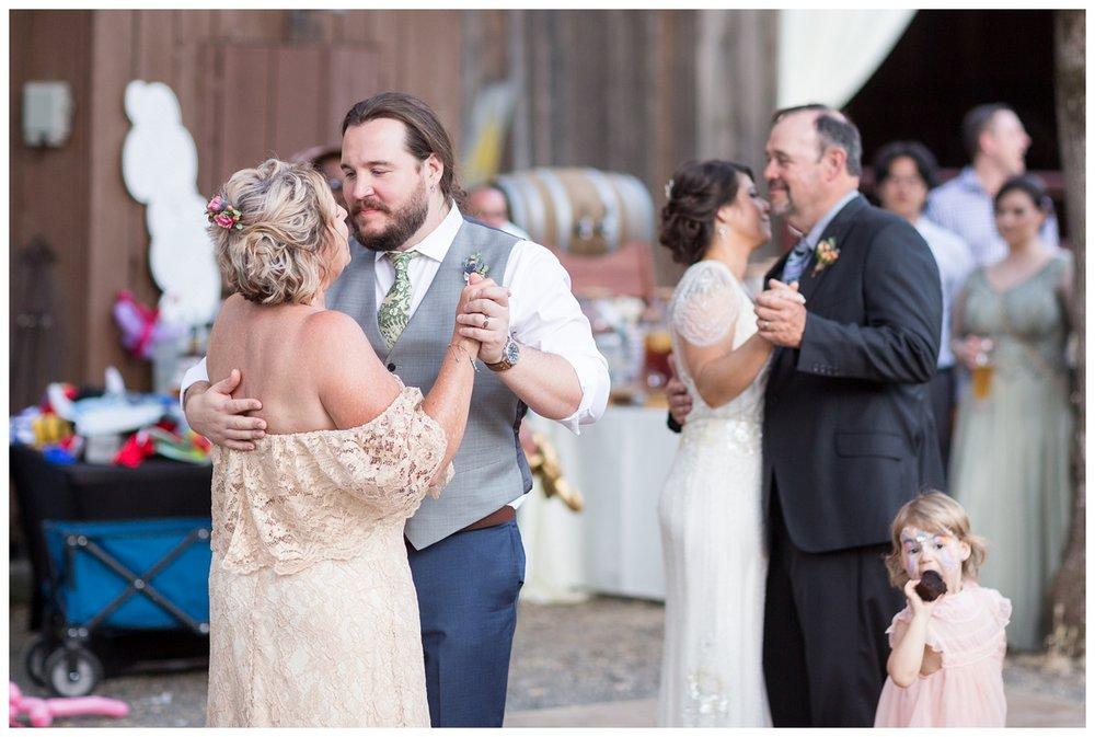 Honey-Run-Covered-Bridge-Wedding-Photos_0801.jpg