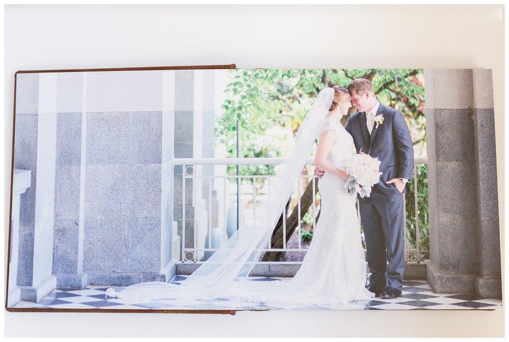 Luxury-leather-kiss-wedding-albums_3974.jpg