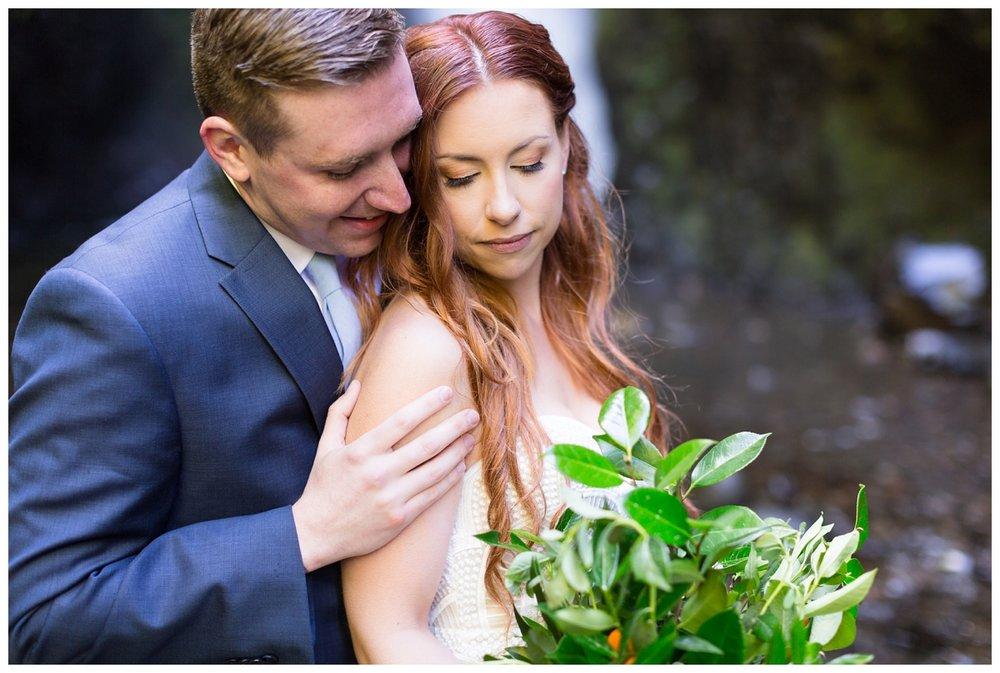 Oneonta-Gorge-Elopement-Photographer-Destination-Wedding_0585.jpg