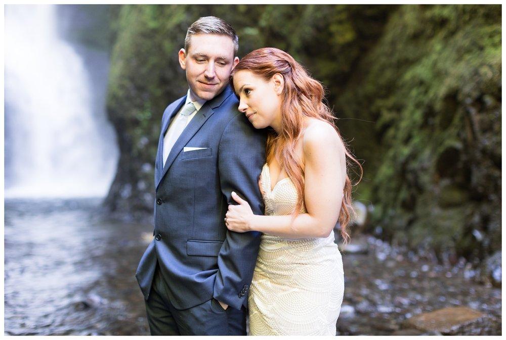 Oneonta-Gorge-Elopement-Photographer-Destination-Wedding_0596.jpg