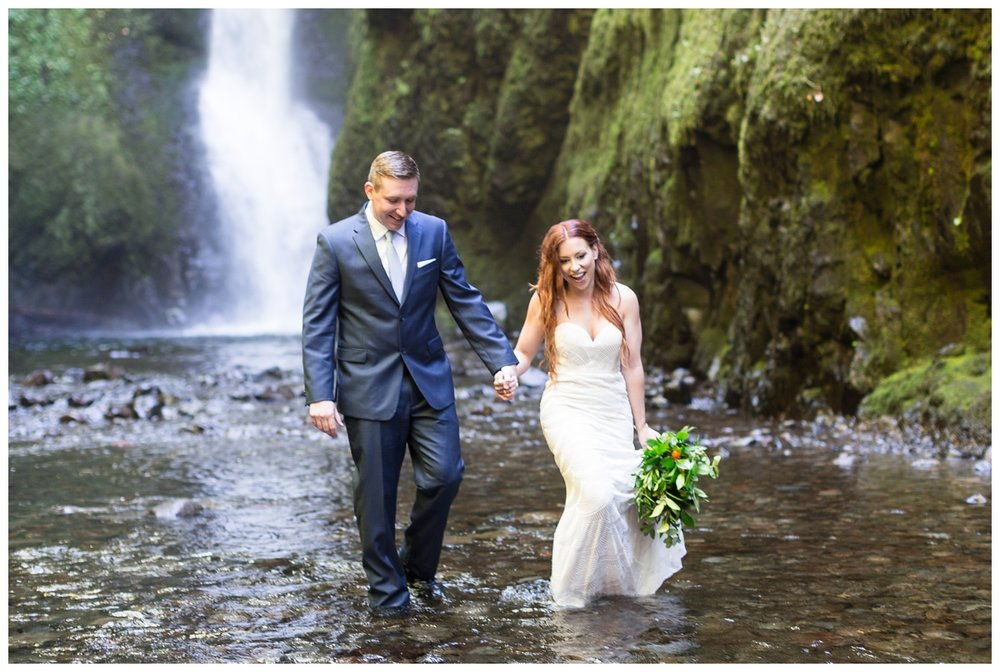Oneonta-Gorge-Elopement-Photographer-Destination-Wedding_0601.jpg