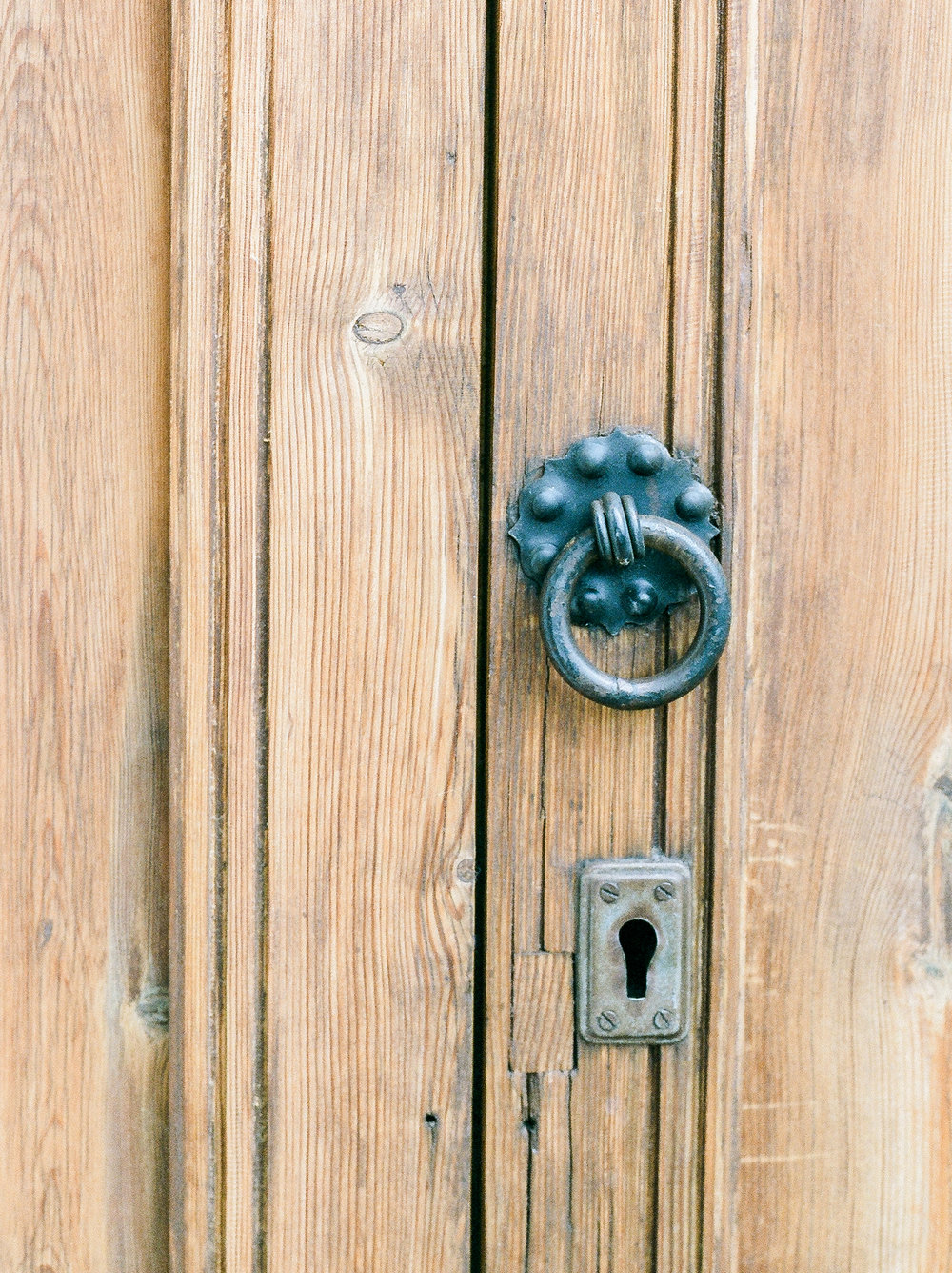 Doors-in-Granada-Spain-Travel-Film-Photographer-187.jpg