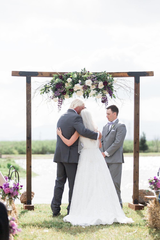 Red-Rock-Lake-Orland-Chico-Wedding-Photos-1-5.jpg