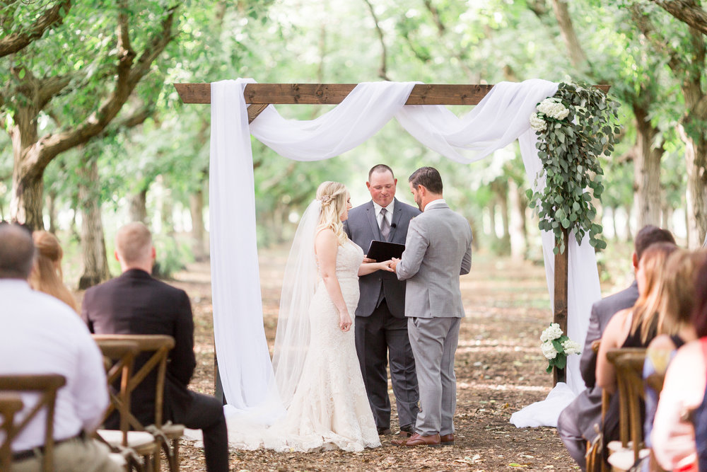 creative-northern-california-orchard-ceremony