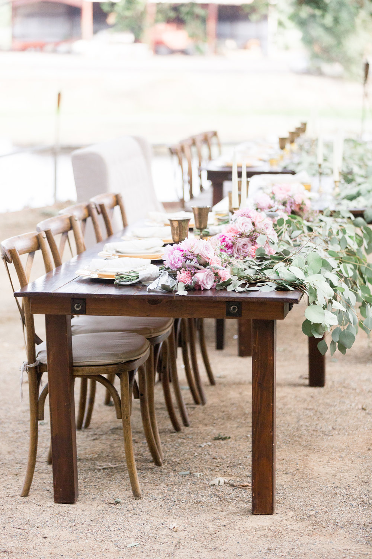farmhouse-wood-reception-tables