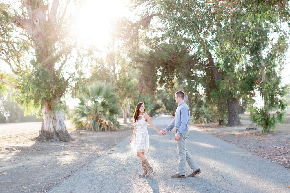 destination-engagement-photographer-at-family-ranch-