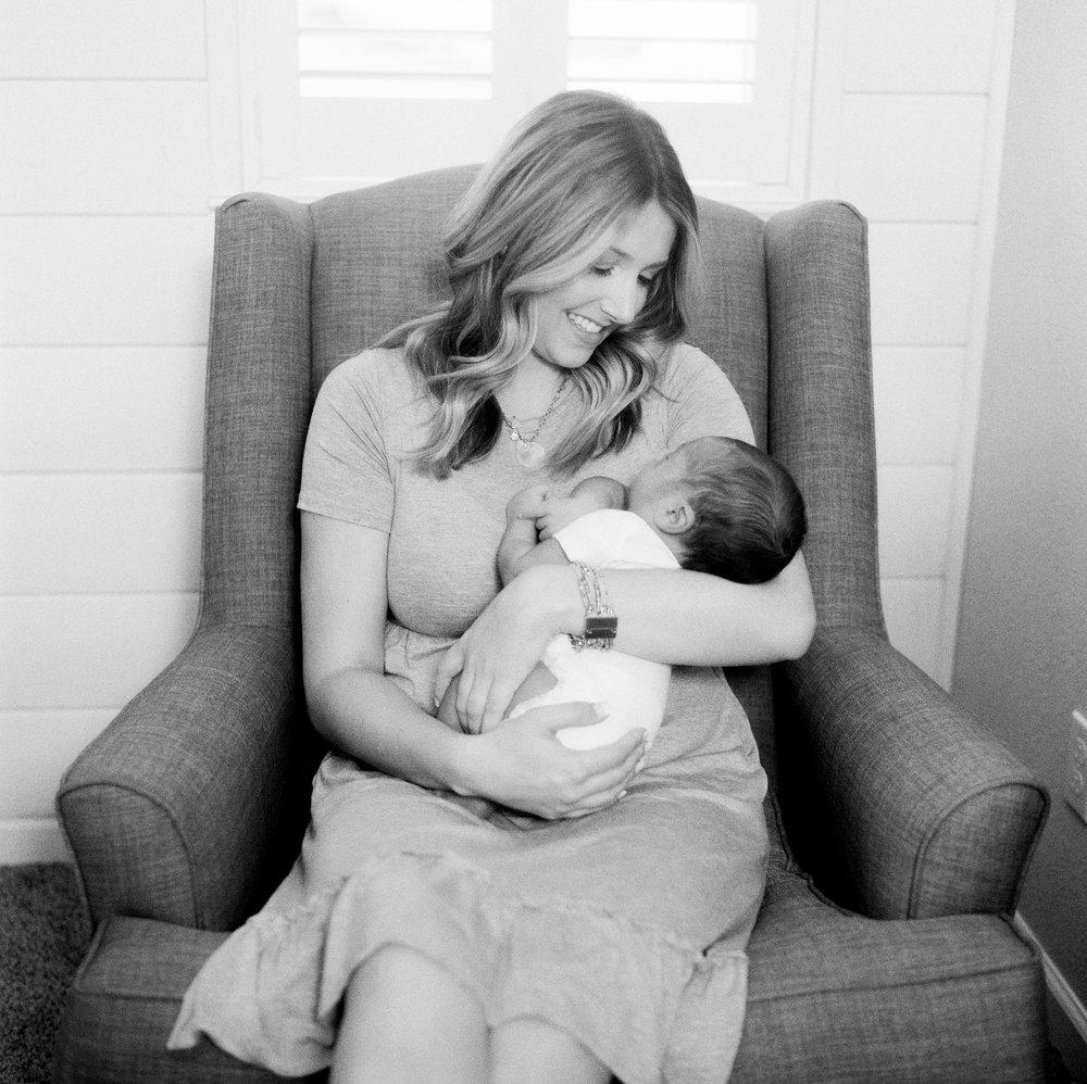 120Roseville-Lifestyle-Newborn-Photographer (111 of).jpg