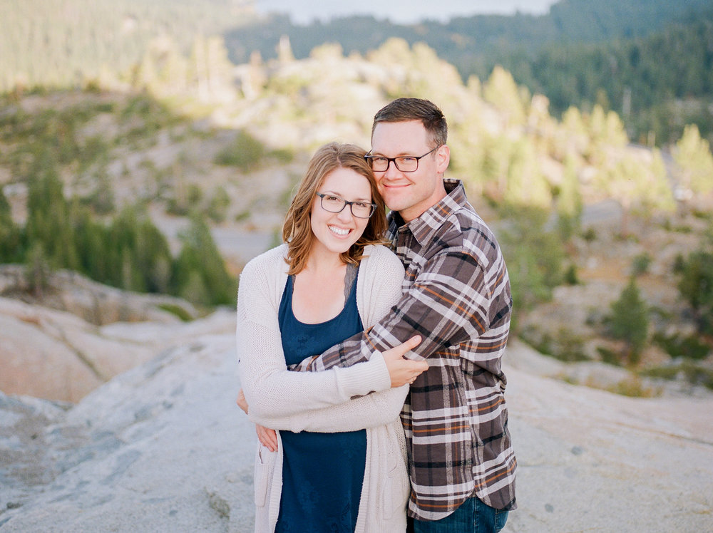 Northern-California-wedding-photographer-travels-to-Donner-Lake-for-engagement-photos (2 of).jpg