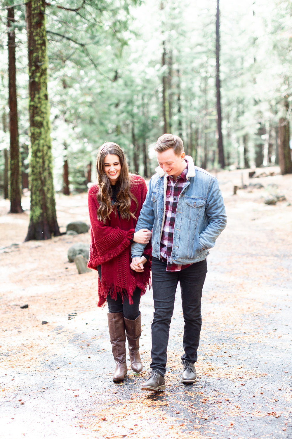 177Butte-Meadows-Winter-Engagement-Photos (8 of).jpg