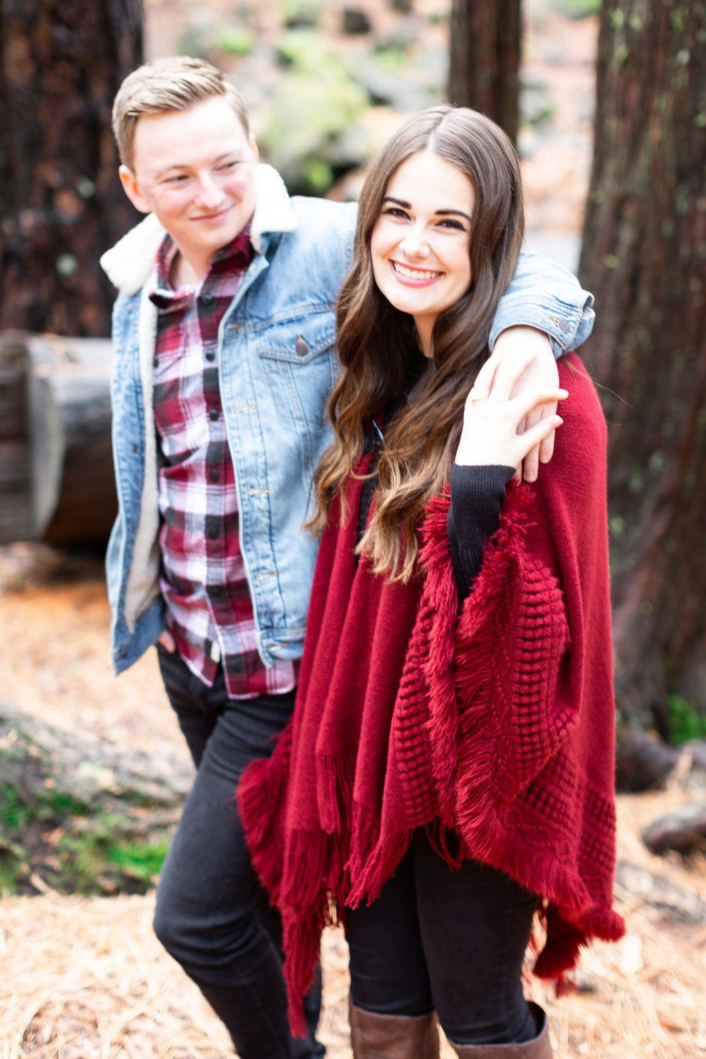 177Butte-Meadows-Winter-Engagement-Photos (75 of).jpg
