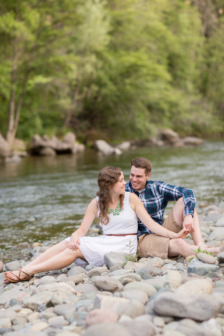Honey-Run-Covered-Bridge-Chico-engagement-photos.jpg