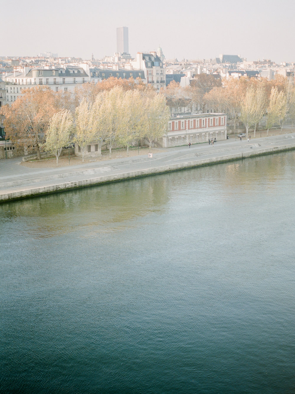 river-cruise-in-november-in-parisjpg