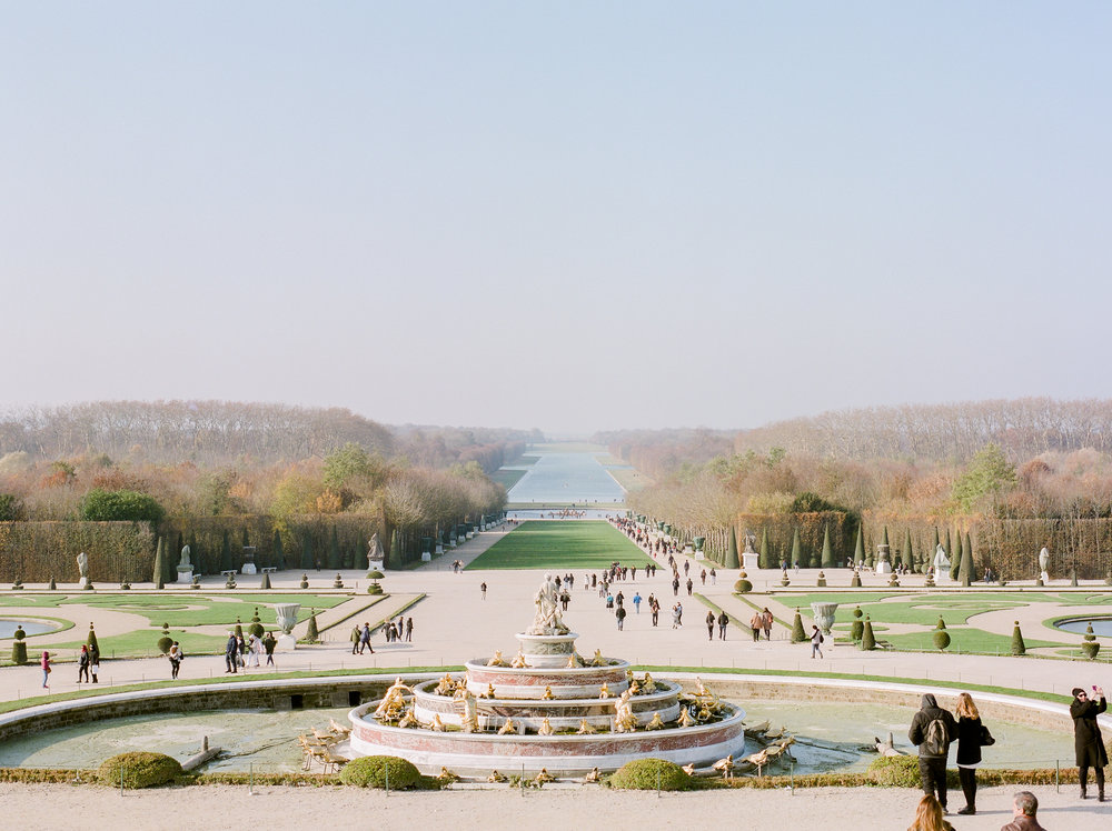 the-lush-green-gardens-in-palace-of-versailles.jpg