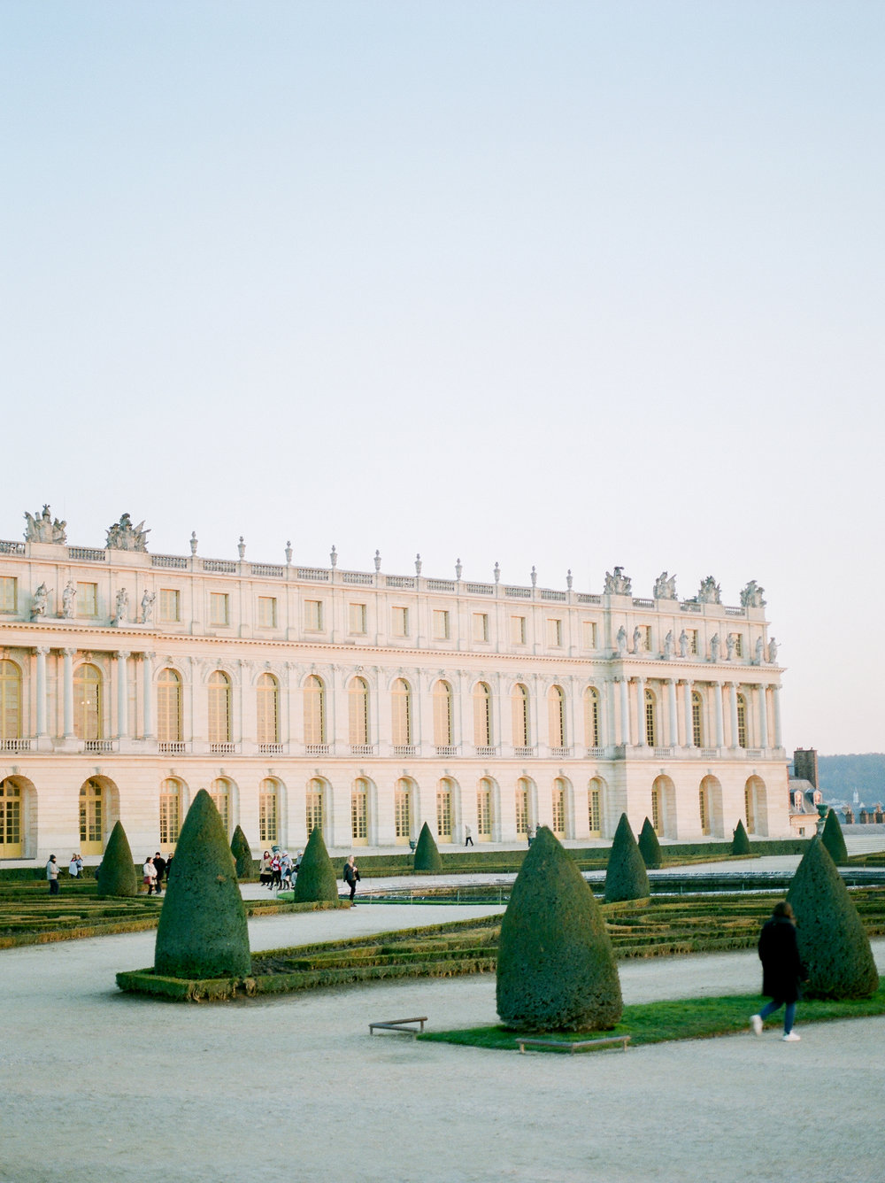 chateau-de-versailles-in-the-winter.jpg