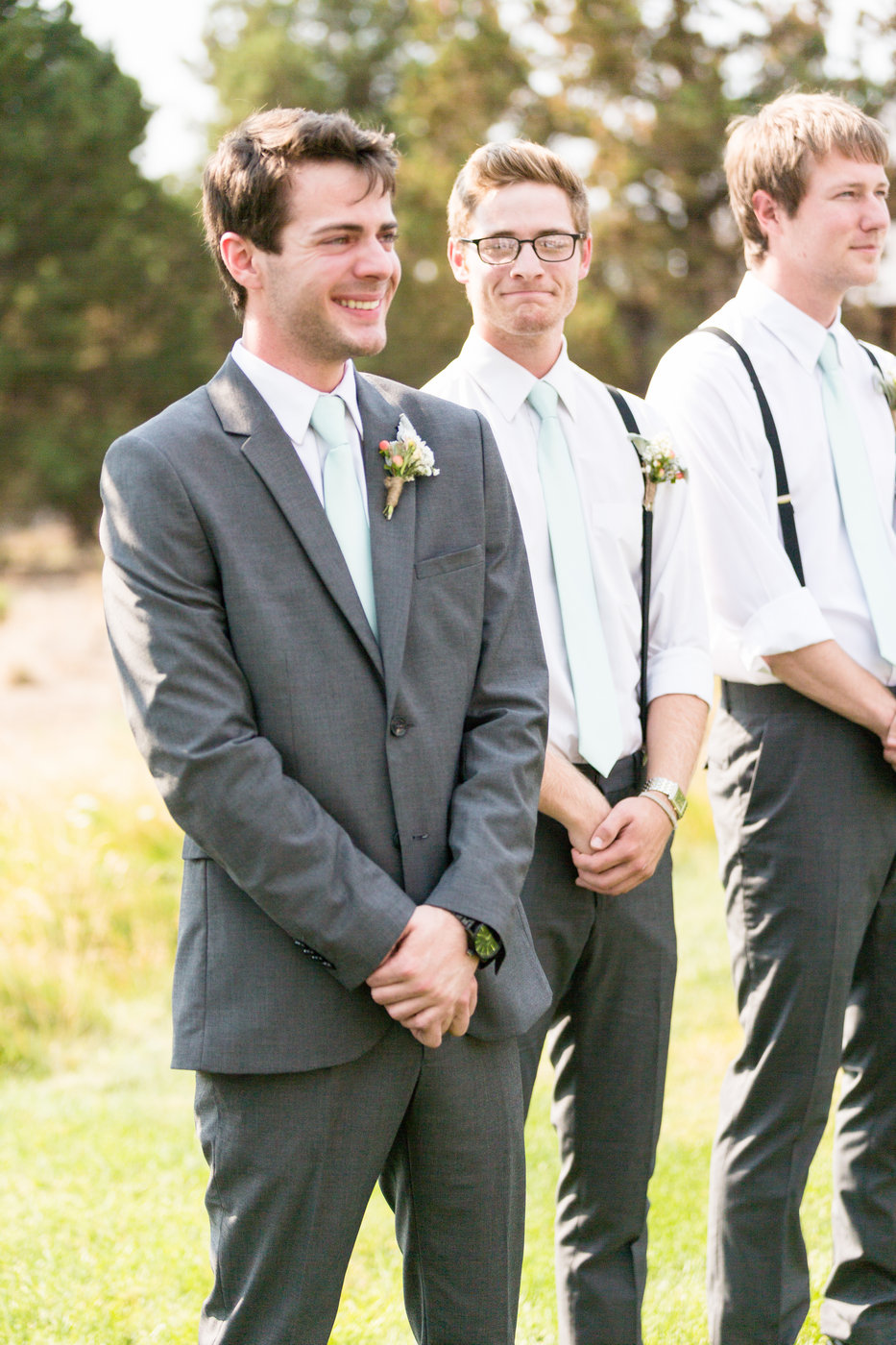 grooms-reaction-to-seeing-his-bride-on-wedding-dayjpg