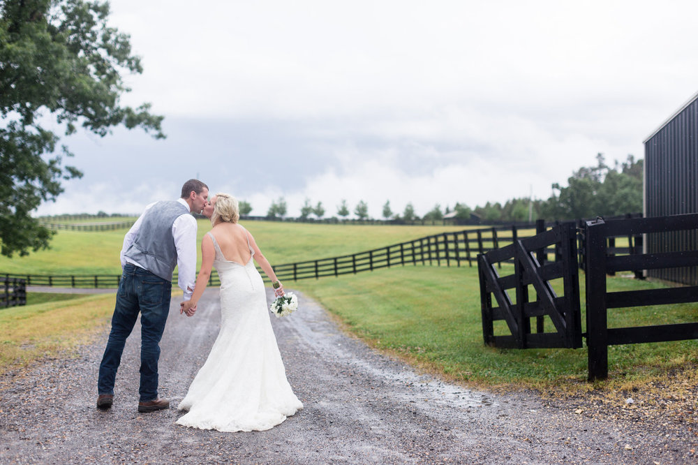 Murray-Kentucky-Rainy-Classic-Rustic-Wedding-Photos.jpg