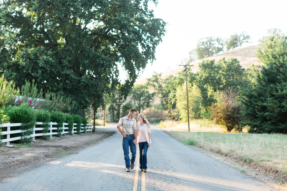 Northern-California-Grover-Ranch-Engagement-Photos.jpg