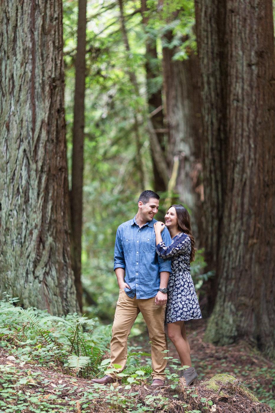 Half-moon-bay-redwood-nature-mountain-beautiful-engagement-photos.jpg