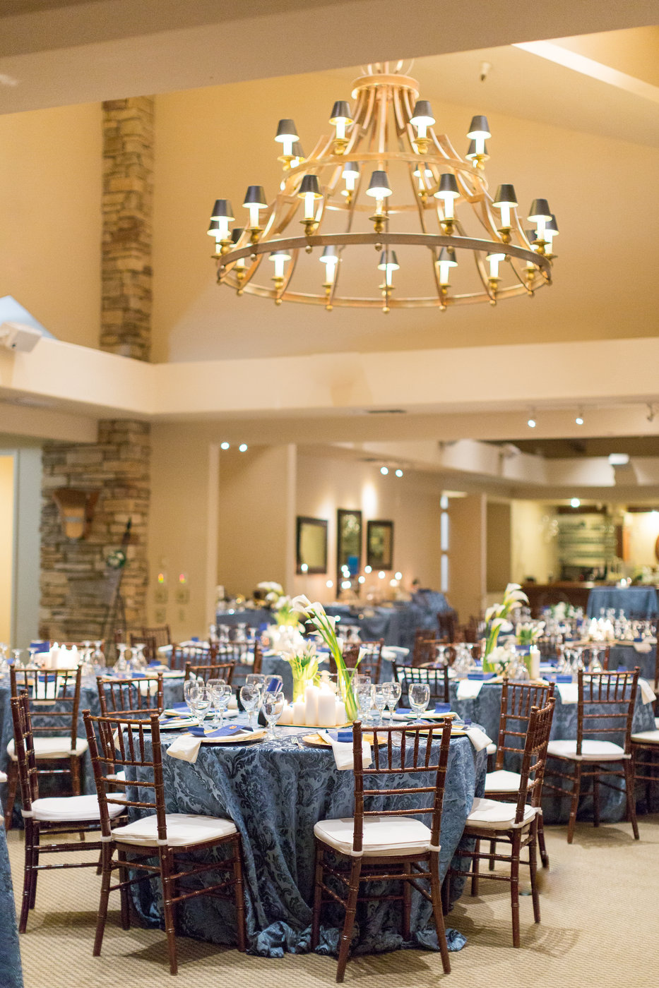 indoor-wedding-winter-reception-in-chico-californiajpg