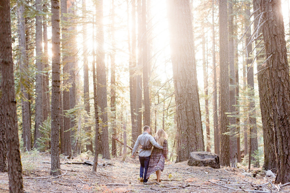 northern-california-butte-meadows-california-mountain-outdoor-natural-engagement-photo-session.jpg