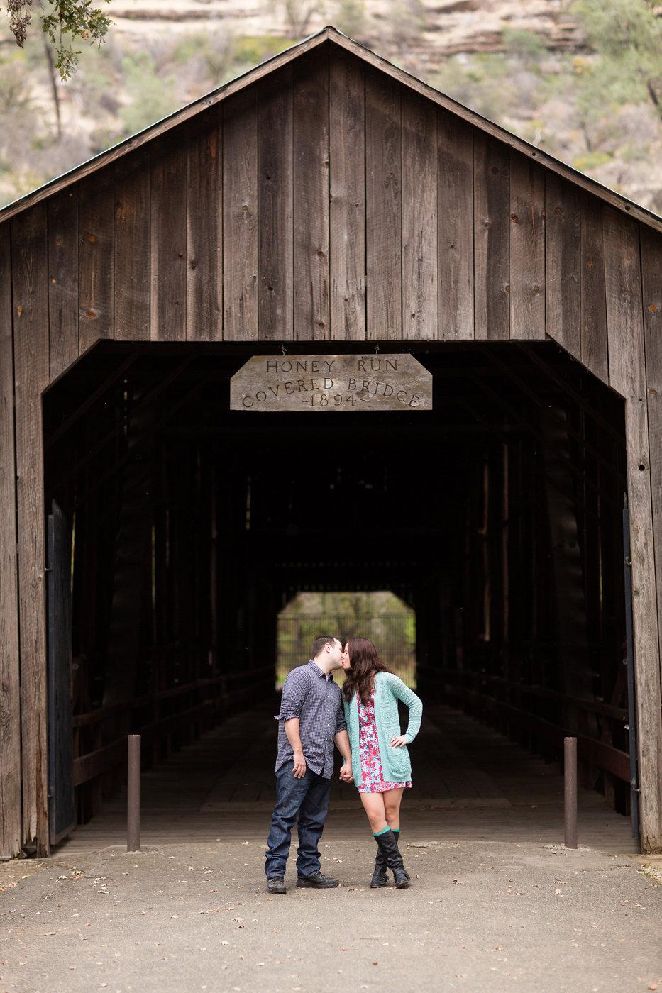northern-california-paradise-honeyrun-covered-bridge-engagement-photography-session.jpg